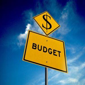 Budget ahead -road sign