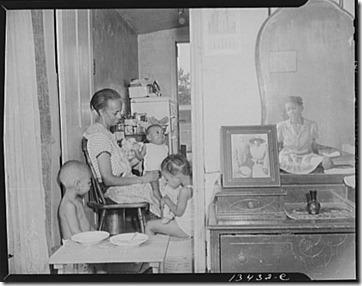 Gordon Parks - Ella Watson with three grandchildren and adopted daughter 1942